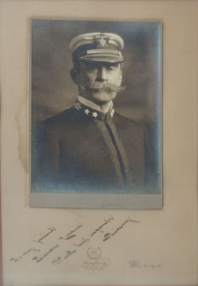 Signed photographic portrait, Robert E. Peary. Arctic, Photography.