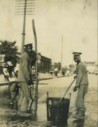 Gelatin silver photograph, Street Cleaners of Peking