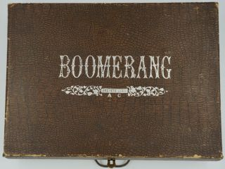 Boomerang. [French children's game].